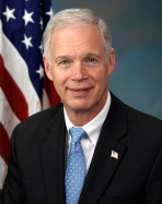 Ron_Johnson,_official_portrait,_112th_CongressMODSM.jpg